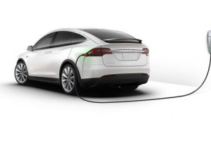 Product Review : Tesla Model X will Hit the Street in 2016