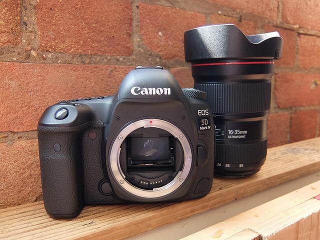 Canon EOS 5D Mark IV _1