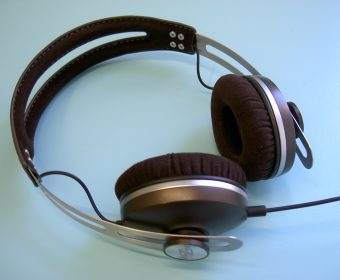Gadget Review: Sennheiser Momentum On-Ear, Ready to Conquer You